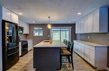 2055 Holiday Park Drive, Pittsburgh, Allegheny County, PA